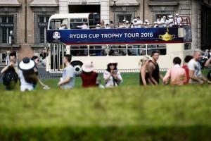 rc-trophy-tour-13-9-16-bus2