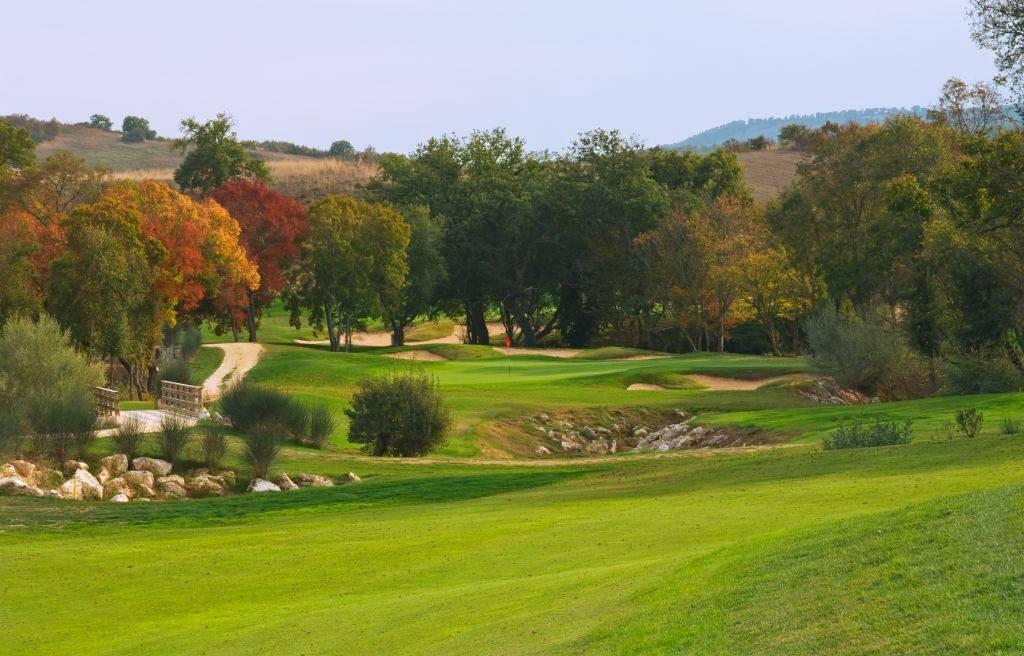 incontri Golf Club datazione di uno studente laureato come undergrad